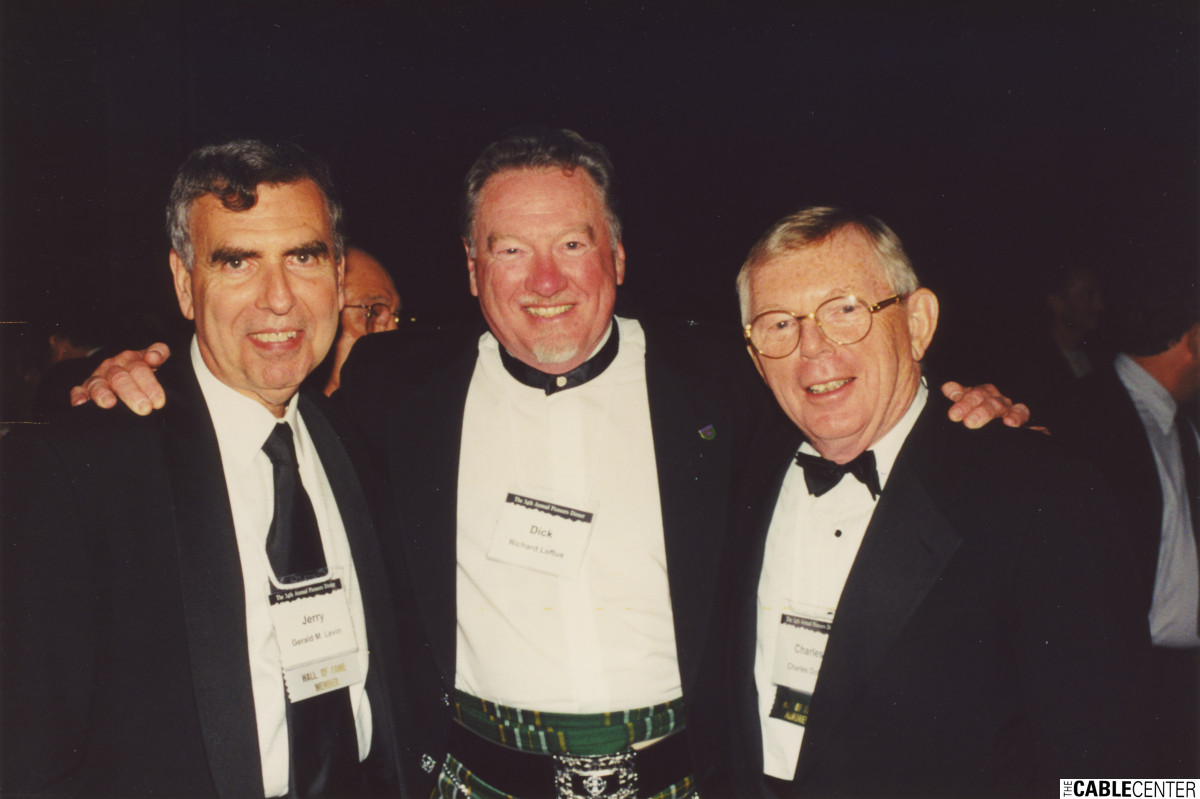 Jerry Levin, Dick Loftus, and Chuck Dolan at the 2000 Cable Television Pioneers dinner and Cable Hall of Fame ceremony